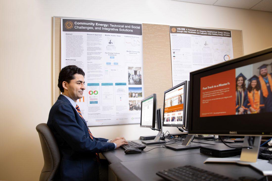 Ehsan Sabaghian works at a computer